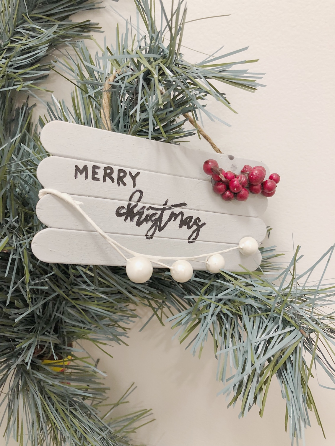 DIY Wooden Pallet Sign Ornament